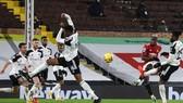 Siêu phẩm của Paul Pogba mang về chiến thắng. Ảnh: Getty Images