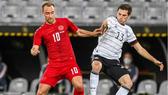 Tuyển Đức (phải) và Đan Mạch hòa 1-1 trong trận giao hữu. Ảnh: Getty Images