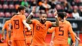 Memphis Depay tiếp tục tỏa sáng trong nhiệm vụ ghi bàn cho Hà Lan.