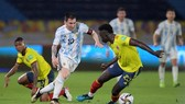 Lionel Messi không thể ghi bàn và Argentina hòa phút cuối.