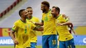 Neymar và đồng đội đã có chiến thắng dễ dàng trong ngày khai mạc.