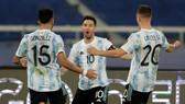 Lionel Messi ghi bàn mở tỷ số, nhưng Chile đã ghi bàn gỡ hòa 1-1. Ảnh: Getty Images