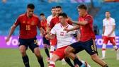 Tây Ban Nha và Ba Lan đầu còn cơ hội trước lượt trận cuối. Ảnh: Getty Images