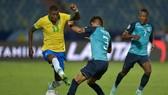Brazil đã bất ngờ bị chặn đứng mạch thắng khi họ để Ecuador dưới cơ thủ hòa.