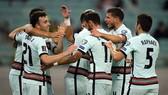Bồ Đào Nha thoải mái đánh bại chủ nhà Azerbaijan 3-0.