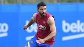 Sergio Aguero phải trì hoãn ngày ra mắt Barca vì chấn thương hồi đầu tháng 8.