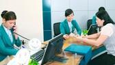Giao dịch vay vốn tại một ngân hàng thương mại để đầu tư dự án xanh