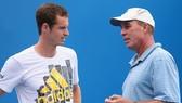Ivan Lendl (phải) sẽ bay sang Rome để giải cứu Andy Murray.