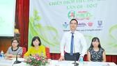 Tổng Giám đốc Sài Gòn Coop Nguyễn Thành Nhân cung cấp thông tin  về chương trình thực hiện tại Co.opmart         Ảnh: CAO THĂNG