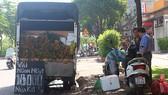 Trái vải được bán buôn trên đường Điện Biên Phủ, TPHCM             Ảnh:  AN NHIÊN