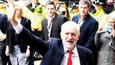 Lãnh đạo Công đảng đối lập Jeremy Corbyn kêu gọi Thủ tướng Theresa May từ chức