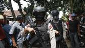 Cảnh sát chống khủng bố Indonesia. Ảnh: EPA/TTXVN