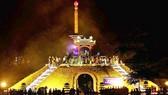 Đông đảo cựu chiến binh thắp hương hoa tri ân các anh hùng liệt sĩ tại đài tưởng niệm Thành cổ Quảng Trị