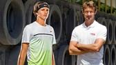 Alexander Zverev (trái) và Juan Carlos Ferrero sẽ làm việc với nhau kể từ nửa sau mùa giải sân cứng năm nay.
