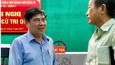 Chủ tịch UBND TPHCM Nguyễn Thành Phong trao đổi với cử tri quận 1, TPHCM