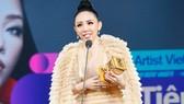 Giải thưởng được khán giả Việt Nam mong đợi nhất Nghệ sĩ Châu Á xuất sắc nhất tại Việt Nam được trao cho Tóc Tiên