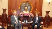 Bí thư Thành ủy TPHCM tiếp Đại sứ đặc mệnh toàn quyền Liên bang Nga tại Việt Nam Vnukov Konstantin Vasilievich. Ảnh: VOH