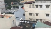 Nhiều hộ gia đình ở TPHCM sử dụng bồn nước nóng năng lượng Mặt trời để tiết kiệm điện     Ảnh: Huy Anh
