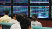 Khối ngoại quay lại mua ròng, VN-Index giảm gần 33 điểm