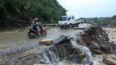 Mưa lũ khiến nhiều tuyến đường ở Lai Châu bị sạt lở, ảnh hưởng đến không ít thí sinh tham gia kỳ thi THPT quốc gia 2018