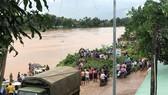 Nước sông tại tỉnh Attapeu dâng cao gây ngập úng sau khi đập thủy điện vỡ. Ảnh: ABC LAOS