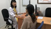 """Bác sĩ phòng khám đơn vị Niệu nữ - BV Bình Dân tư vấn về việc tân trang """"vùng kín"""""""