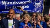 Nhiều thành viên Nghị viện Anh cũng tham gia cuộc tuần hành đòi trưng cầu dân ý về Brexit. Ảnh: REX