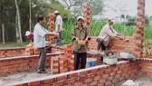 Các cựu TNXP Liên đội Dũng Cảm  chung tay xây nhà tình thương giúp đồng đội