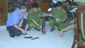 Cơ quan chức năng khám nghiệm hiện trường điều tra vụ việc