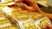 Vàng SJC quay đầu giảm 900.000 đồng/lượng