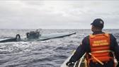 Hải quân Colombia theo dõi chiếc tàu ngầm chở 8 tấn cocaine trên Thái Bình Dương ngày 19-9-2019. Ảnh: TTXVN