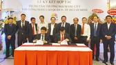 Công ty CP Đầu tư Đông Sài Gòn (DSG) và Liên hiệp HTX Thương mại TPHCM (Saigon Co.op) tiến hành ký kết phát triển Trung tâm thương mại Sense City tại Khu công nghệ cao Quận 9 TPHCM