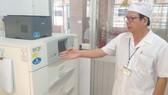 Máy cấy vi khuẩn lao hiện đại được Nhà nước đầu tư  tại Bệnh viện Phổi Đồng Nai.  Ảnh: VĂN PHONG