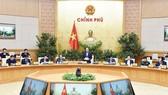 Thủ tướng Nguyễn Xuân Phúc phát biểu tại phiên họp.  Ảnh: VIẾT CHUNG