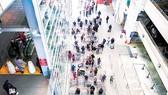 Người dân New York (Mỹ) xếp hàng mua thực phẩm tại siêu thị