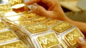 Giá vàng trong nước cao hơn thế giới 5 triệu đồng/lượng