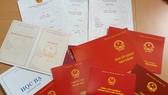 Chế tài hành vi sử dụng giấy tờ, bằng cấp giả