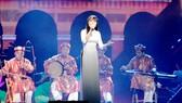 Ca cổ Bài ca Thành phố mùa xuân  do ca sĩ Thảo Vy, đoàn TPHCM biểu diễn