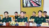 Đại tướng Ngô Xuân Lịch, Ủy viên Bộ Chính trị, Phó Bí thư Quân ủy Trung ương, Bộ trưởng Bộ Quốc phòng (giữa), chủ trì hội nghị. Ảnh: TTXVN