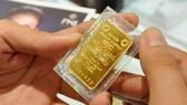 Vàng SJC giảm gần 2,5 triệu đồng/lượng