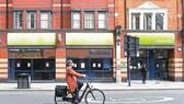 Các cửa hàng ở London đóng cửa trong thời gian phong tỏa chống dịch Covid-19