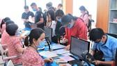 Thí sinh đóng học phí nhập học ngày 17-9  tại Trường ĐH Công nghiệp Thực phẩm TPHCM