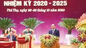 Thủ tướng Nguyễn Xuân Phúc phát biểu chỉ đạo tại Đại hội đại biểu Đảng bộ tỉnh Phú Thọ  lần thứ XIX, nhiệm kỳ 2020 - 2025, sáng 27-10. Ảnh: VIẾT CHUNG