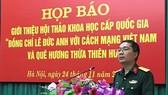 Đại tá Trần Ngọc Anh - Phó Cục  trưởng Cục Tuyên huấn, Tổng cục  Chính trị phát biểu tại buổi họp báo. Ảnh: DANGCONGSAN.VN