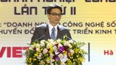 Phó Thủ tướng Vũ Đức Đam phát biểu tại Diễn đàn quốc gia về Phát triển doanh nghiệp công nghệ số Việt Nam 2020. Ảnh: VGP