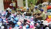Phát hiện hơn 4.000 nón bảo hiểm không nguồn gốc