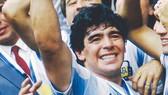 Thế giới bóng đá chia tay huyền thoại Diego Maradona