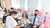 """Anh Ngô Văn Dư - người 95 lần hiến máu, đang tham gia chương trình  hiến máu nhân đạo """"Trái tim hồng"""""""