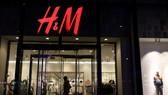 Yêu cầu H&M đình chỉ, thu hồi sản phẩm vi phạm chủ quyền Việt Nam