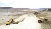 Công trường xây dựng 2 đập thủy điện Condor Cliff và La Barrancosa  ở Argentina do CDB cấp vốn